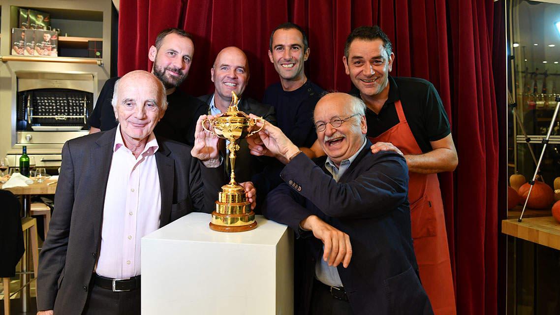 De gauche à droite : Fred Testot, Thomas Levet, Armel Le Cléac'h, Hugo Desnoyer (en haut) ; Pr Gérard Saillant et Erik Orsenna (en bas)