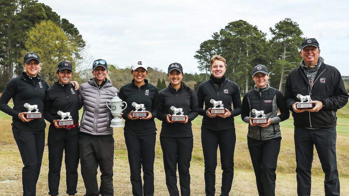 L'équipe de South Carolina victorieuse du Liz Murphey Collegiate Classic